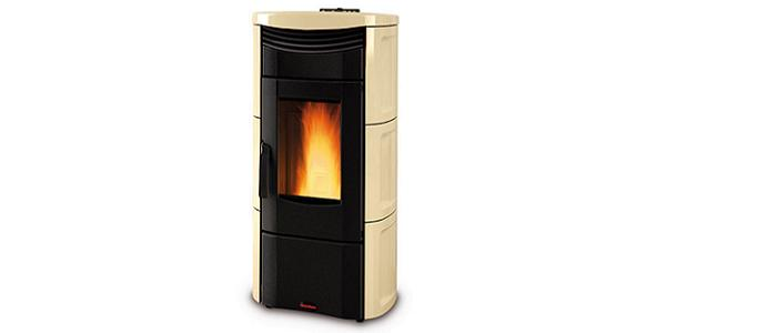 Stufe a pellet nordica extraflame farolfi casa for Stufa nordica emma