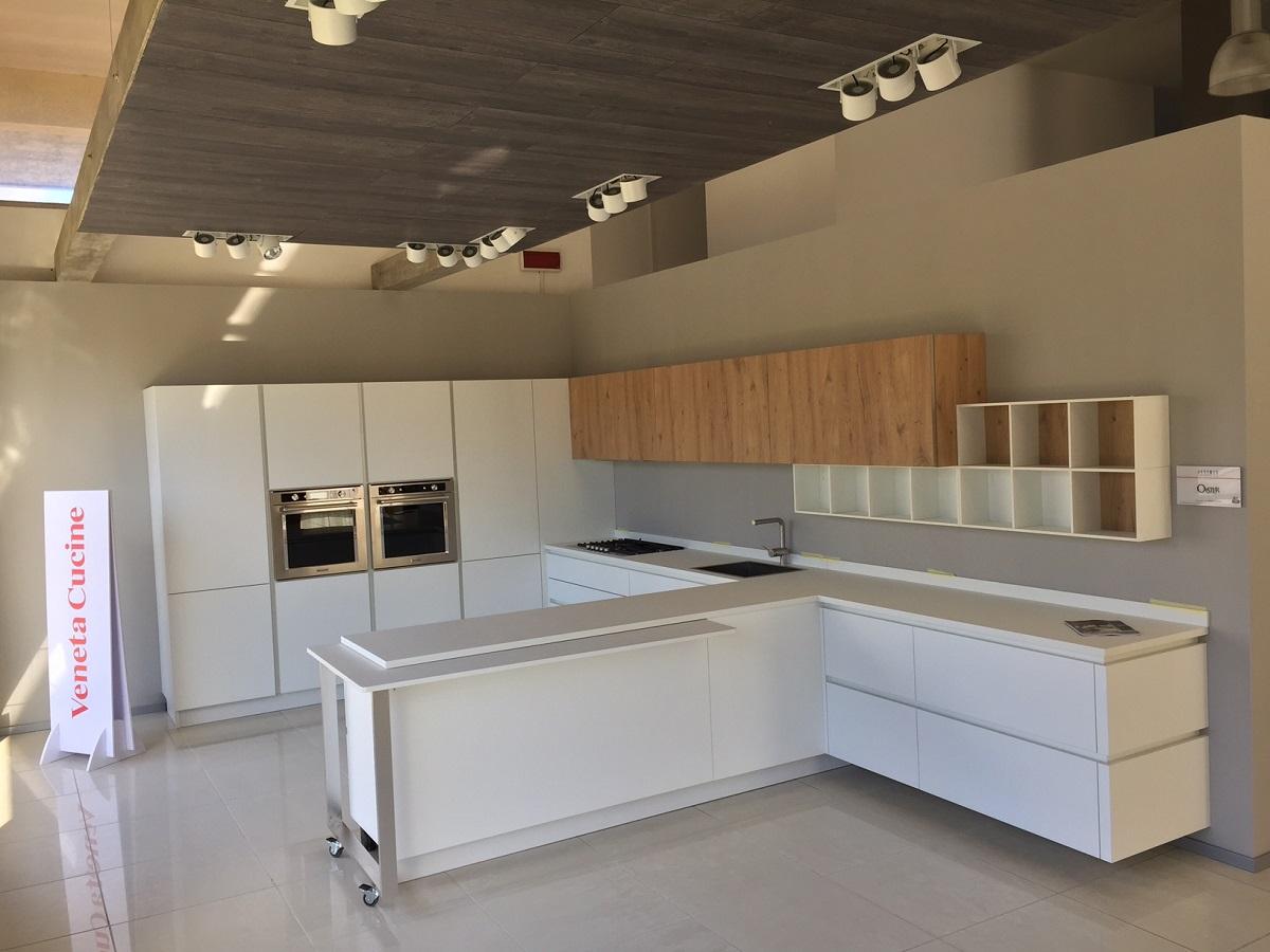 Cucina Veneta Oyster Bianco e rovere nodato | Farolfi Casa