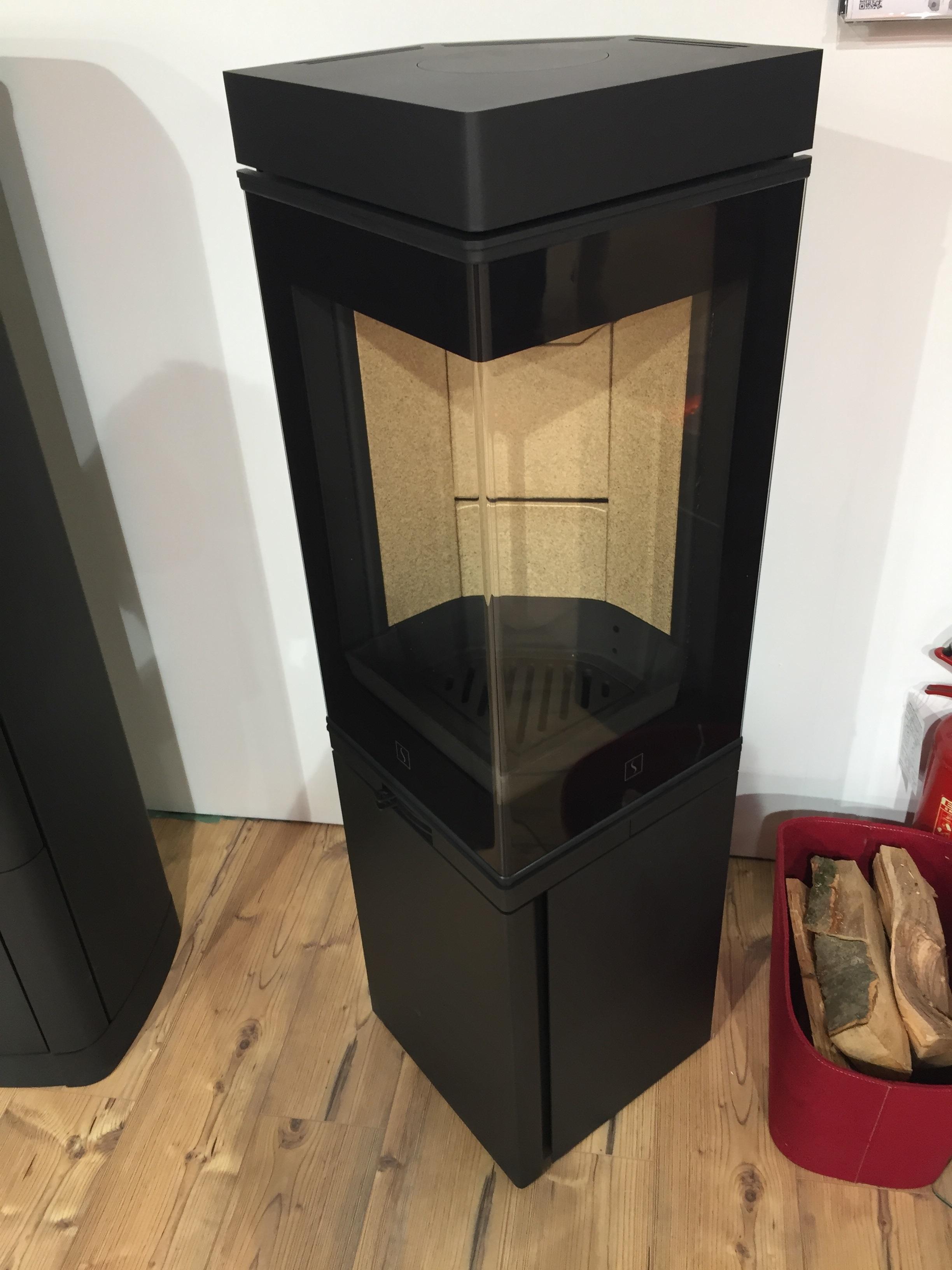 Stufa a legna Scan 80 prezzo € + IVA | Farolfi Casa
